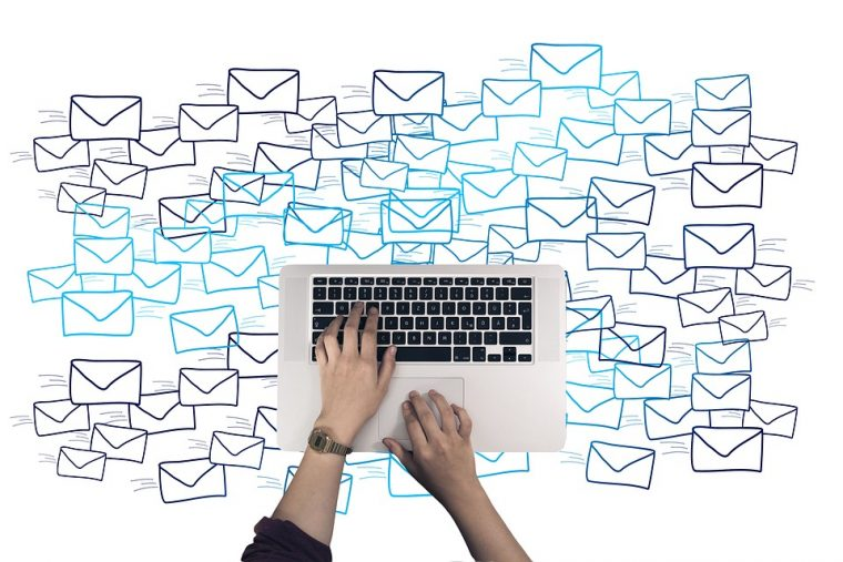 メール配信システムを活用